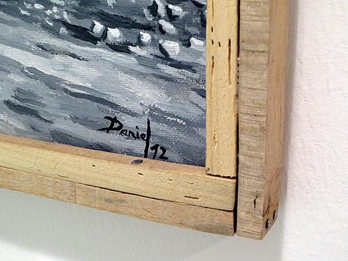Detalle de marco fino de madera de haya reciclada