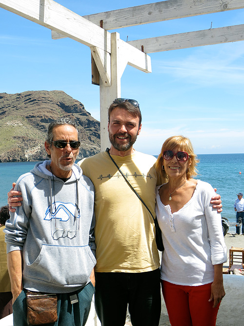 Con Miguel y Alina, propietarios de la Galería del Mar