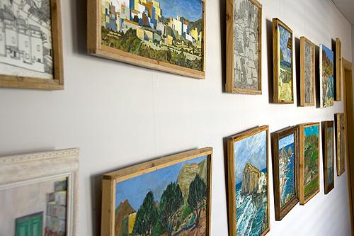 Detalle de las obras de arte expuestas