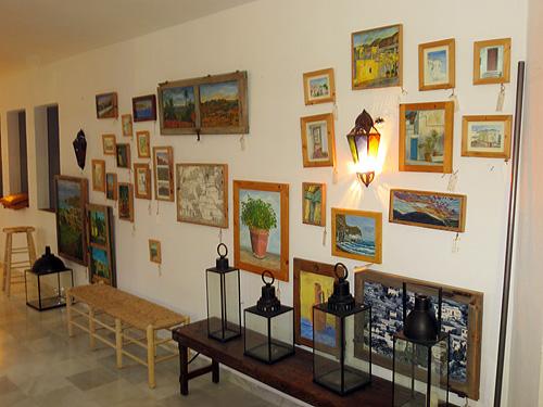 Exposición en la sala de arriba