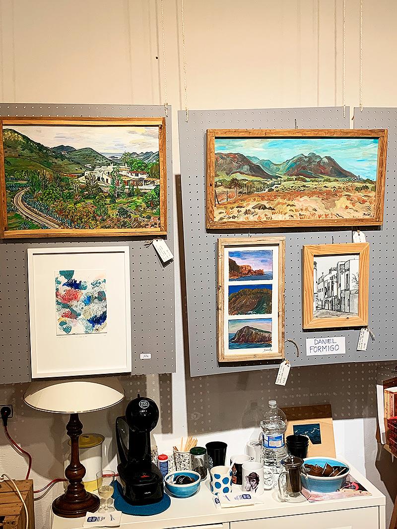 Pinturas al óleo y acrílico y un dibujo a tinta es mi aporte en esta exposición colectiva sobre el Cabo de Gata