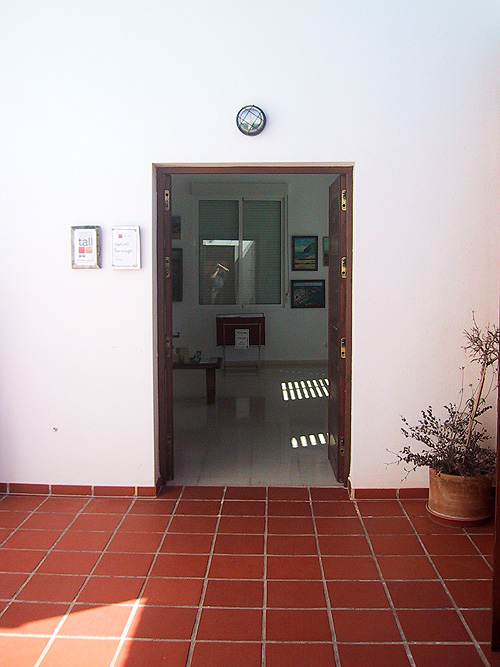 Entrada al Centro Cultural Carmen de Burgos de Rodalquilar
